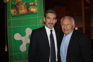 Raffaele Cattaneo, Presidente del Consiglio regionale lombardo, con il paroliere Mogol (a destra)