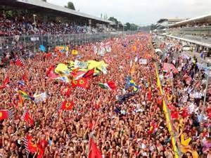 Gran Premio 5 la folla