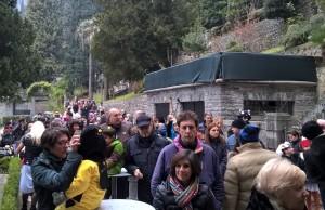 Carnevale Villa Monastero folla