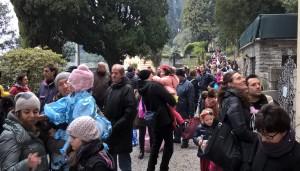 Carnevale a Villa Monastero, folla