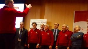 Nel Coro Brianza cantano per l'occasione anche il Sindaco di Lecco Virginio Brivio, il Presidente della Provincia Flavio Polano e Guido Agostoni della Comunità Montana