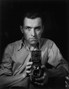 Robert Doisneau, autoritratto con Rolleiflex