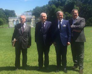 Presentazione del Concerto d'Estate da Vienna con il console austriaco Berger (secondo da destra) accompagnato dl Sindaco di Monza Roberto Scanagatti e dall'Assessore al Turismo Abbà (alla sua destra) con il direttore del Consorzio della Villa Reale Lorenzo Lamperti