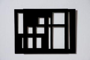 Grazia Varisco, Silenzi, 2005, alluminio verniciato nero, tre elementi, larghezza variabile, misure variabili (aperto)