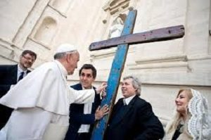 La Croce di Lampedusa con Papa Francesco