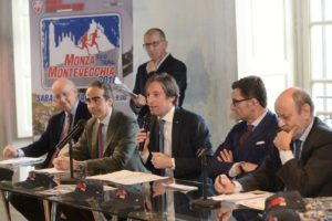 Un momento della presentazione stampa della Monza Montevecchia con il vice presidente della Regione Lombardia Fabrizio Sala al microfono