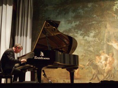 Michele Fazio al pianoforte - Teatrino della Villa Reale di Monza - Foto di Elizabeth Gaeta - Courtesy of Reggia di Monza