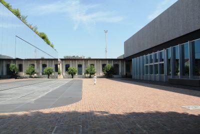 Fondazione Prada Milano - Spazi Esterni - Foto di Elizabeth Gaeta