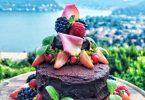 Un raffinatissimo dolce, con tanto di veduta (dalla pagina FB del Gatto Nero