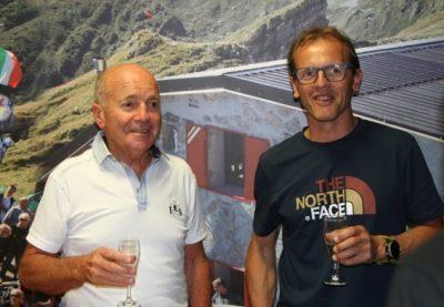 Simone Moro con Sergio Longoni (a sinistra)
