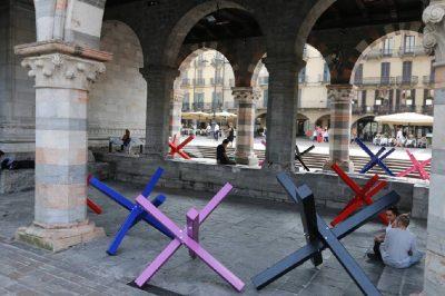 Streetscape5, Paolo Ceribelli, Barricades - Urban Art Portici del Broletto Como