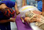 I dottori del Galeazzi di Milano intenti ad operare la mummia di Real Bodies