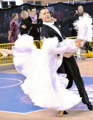 Vimercate, danza sportiva Ros e Stella