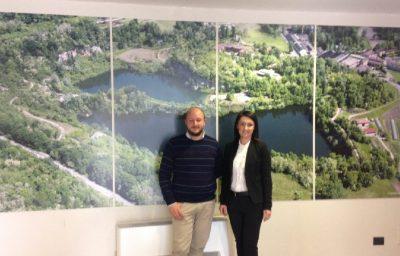 L'Avv. Eleonora Frigerio, Presidente del Parco Valle Lambro, Matteo Vitali, Consigliere del Parco all'interno del Centro Parco dell'Oasi di Baggero