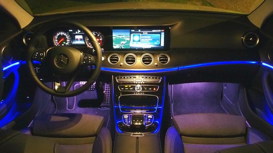L'avveniristica consolle della Mercedes Classe E