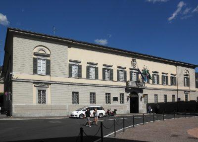 Lecco, Palazzo Bovara Municipio