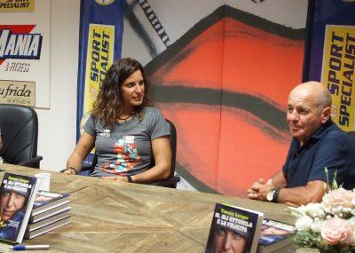 """Tamara Lunger con Sergio Longoni alla presentazione della serata dedicata ai grandi dello sport e del libro """"Io, gli Ottomila e la felicità"""""""