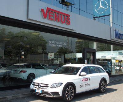 In casa Mercedes il futuro è già arrivato con l'avveniristica Classe E qui nella versione wagon All Terrain