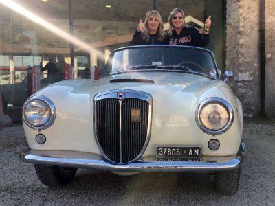 Donne e motori... Viviana Beccalossi (a sinistra) con Paola Bencini