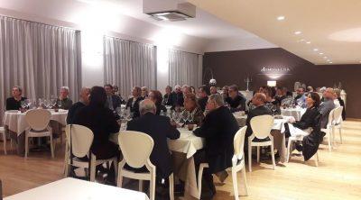 Il nutrito gruppo CATA alla serata rossiniana al ristorante Atmosfera dell'Helios Hotel di Monza