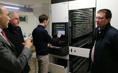 Il computer ottimizza la gestione del magazzino della nuova farmacia comunale di Desio
